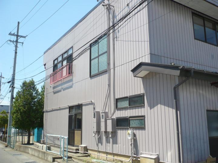 長野市松岡公民館外壁塗装(金属サイディング塗装)工事