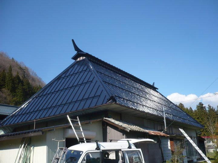 長野市信州新町くず屋根塗り替え工事