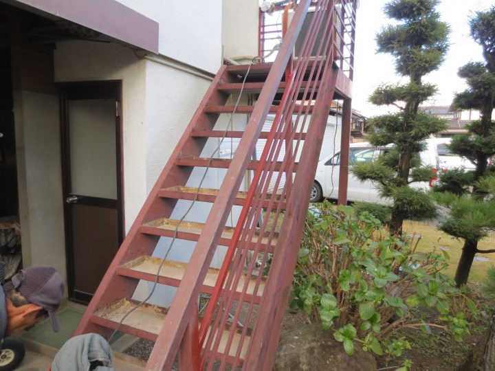 階段 踏み面(コンクリート)撤去