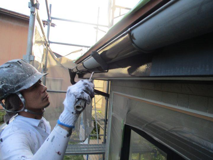 破風板、雨樋塗装