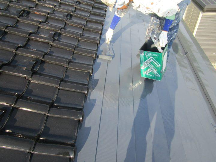 一文字葺き屋根塗装