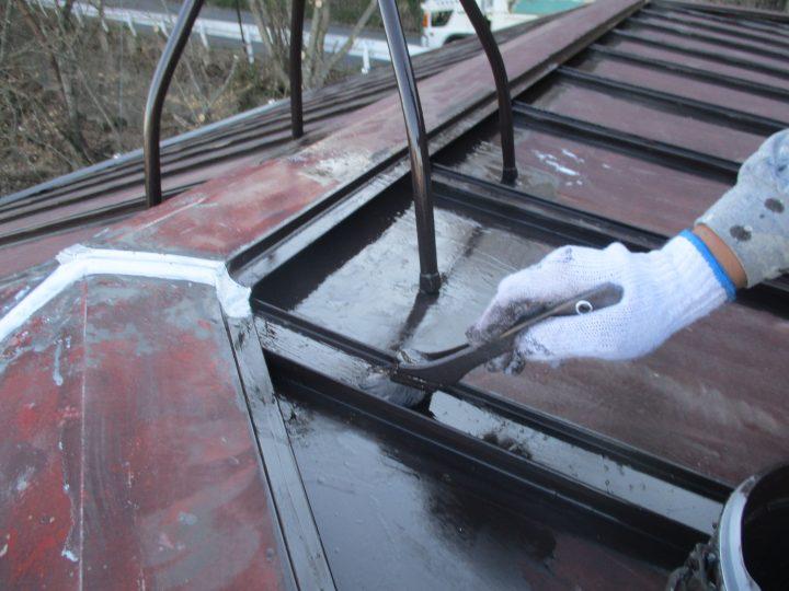 屋根塗装(部分下塗り)
