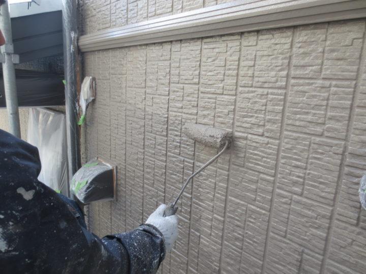 外壁中塗り(2回)