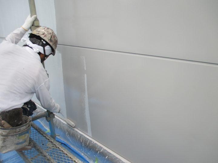 外壁塗装(上塗り1回目)