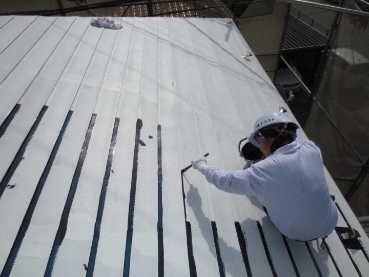 屋根塗装上塗り1回目