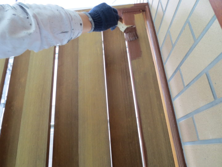 玄関ポーチ木部塗装