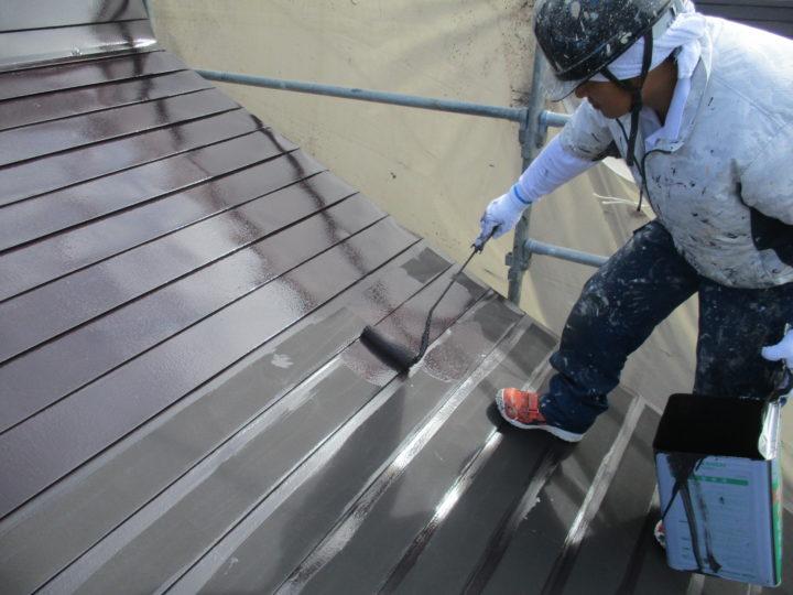 屋根塗装(上塗り1回目)