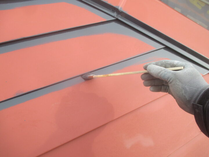屋根上塗り1回目