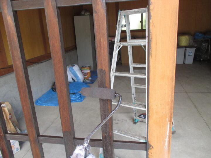 車庫入口格子塗装